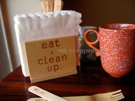 procedure of making a simple wooden napkin holder