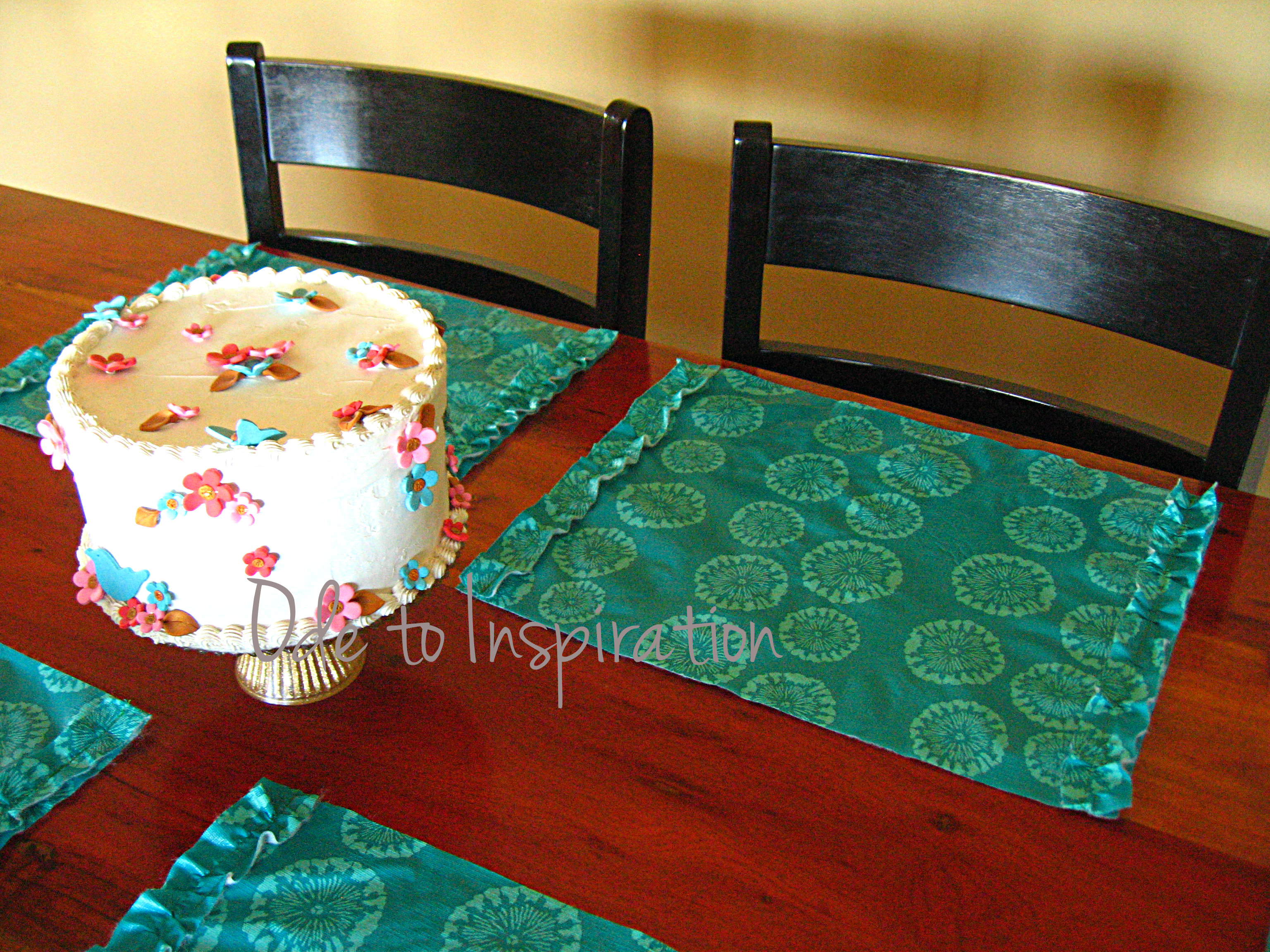 Lovely Tablecloth Turned Placemats | Ode to Inspiration OW89